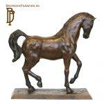 bronzen paardenbeeld